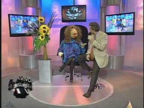 SuperXclusivo 3/31/09 - Relajan Elvis Crespo en el programa Jay Leno 1/2