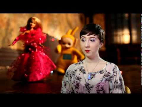 100 Greatest Toys with Jonathan Ross - Lily Loveless, Megan Prescott, Robert Sheehan