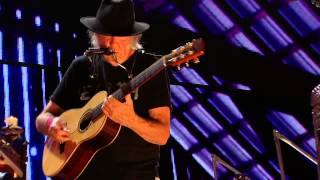 Neil Young - Who's Gonna Stand Up? (Live at Farm Aid 2014)