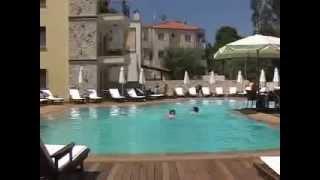 Grcka Leto 2016, Vila Nirides Hanioti(http://mitos-travel.com/Grcka_Leto/Hanioti/Vila-Nirides/ Leto 2016 Grčka Leto 2016 Letovanje 2016 Ova luksuzna vila - hotel je završena u avgustu 2005. godine ..., 2011-07-26T09:28:30.000Z)