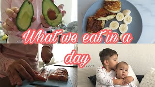 WHAT WE EAT IN A DAY// Team Petrov