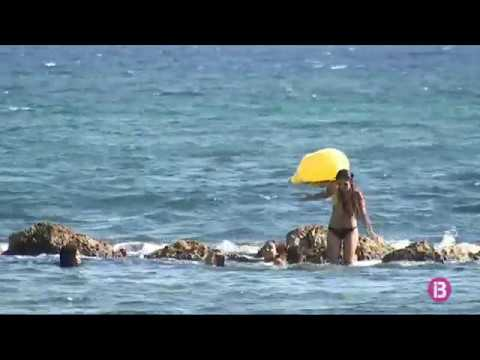 Maria La Blanco - Descalços (Videoclip Oficial) from YouTube · Duration:  2 minutes 59 seconds