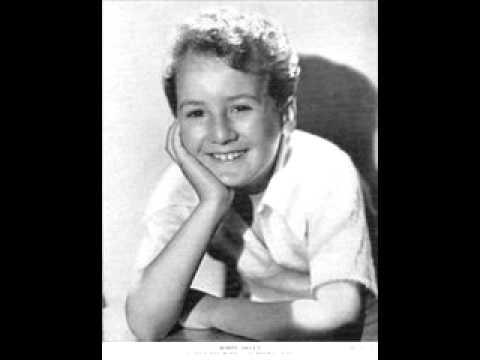 Bobby Breen, Age 9, Sings