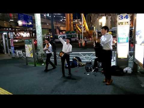 Japanese Irish roots folk music rockers Shibuya buskers fiddle banjo
