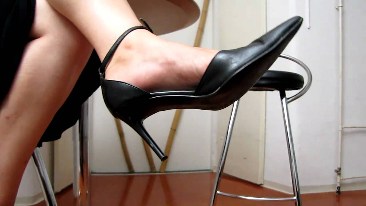 Play time dangling with sexy legs 3