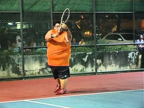VJ mike แข่งเทนนิส