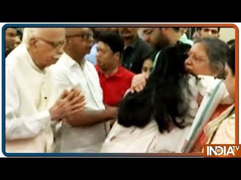 LK Advani reaches Arun Jaitley's residence to pay last homage