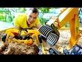 Игры с Трансформерами Фёдор и Бамблби ищут клад в песочнице mp3