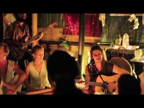 Kirtan - Kevin James Carrol - live in Ubud