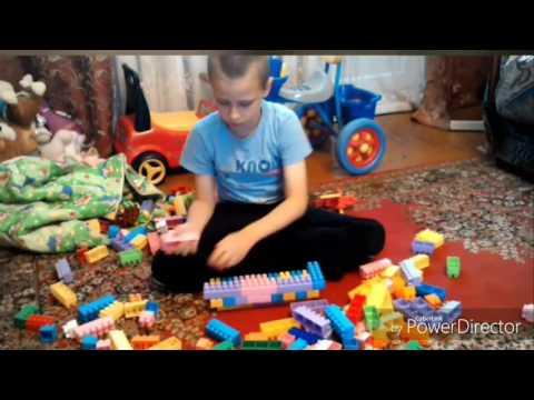 Ребенок классно конструирует