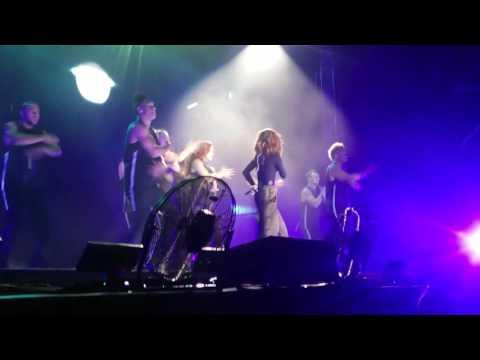 Selena Gomez - Slow Down ( Live In Malaysia 2016 ) Revival Tour