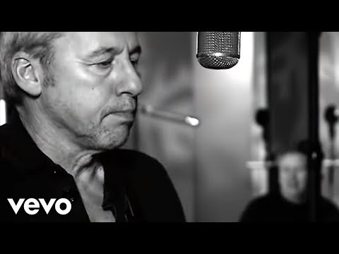 Клип Mark Knopfler - True Love Will Never Fade