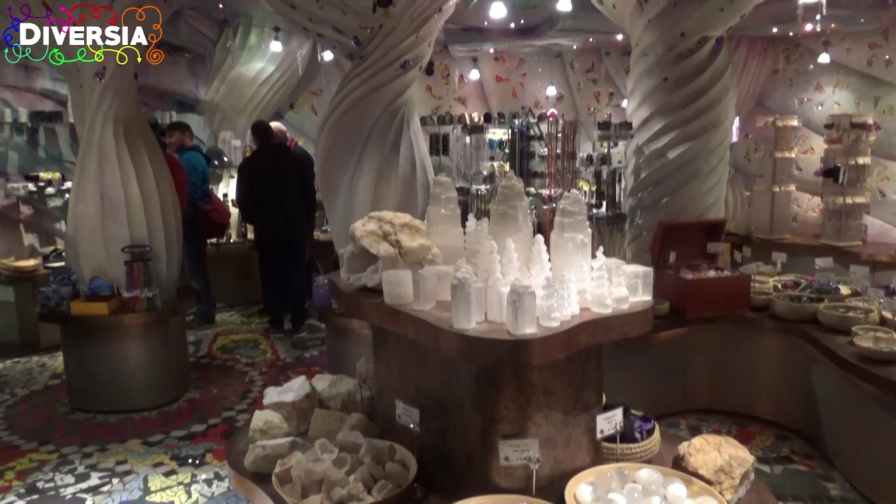 unique souvenir shop at europa park edelstein grotte zauberwelt der diamanten youtube. Black Bedroom Furniture Sets. Home Design Ideas
