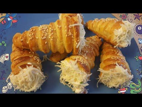 cornets-à-la-pâte-feuilletée-aux-jambons-et-fromages,-très-facile-et-rapide