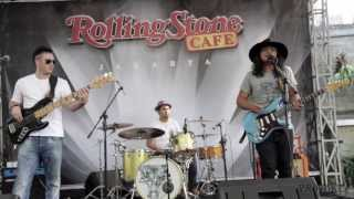 Gugun Blues Shelter - Driving Home Alone (live at Rolling Stone Cafe)