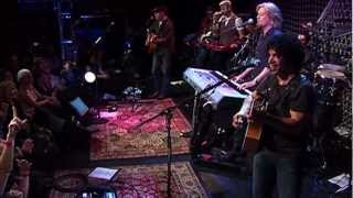 "Hall and Oates - ""Private Eyes"" - Live at the Troubadour 2008 (2/3) HD"