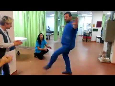 Γλέντι γιατρών και νοσηλευτών στο νοσοκομείο Μυτιλήνης