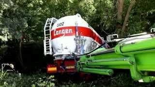 Dépannage Wibault : relevage de camion citerne en contrebas de 15 metres (rare)