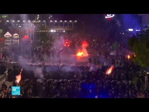 تصاعد العنف والغضب في إندونيسيا غداة الإعلان الرسمي عن إعادة انتخاب جوكو وديدودو  - نشر قبل 26 دقيقة