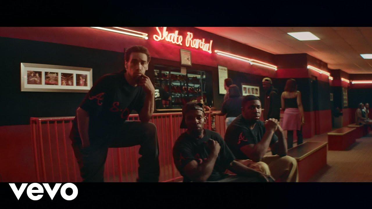 SG Lewis - Holding Back ft. Gallant