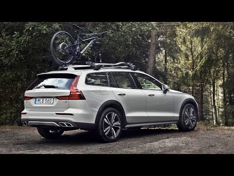 2019 Volvo V60 Cross Country - Exterior interior and Drive