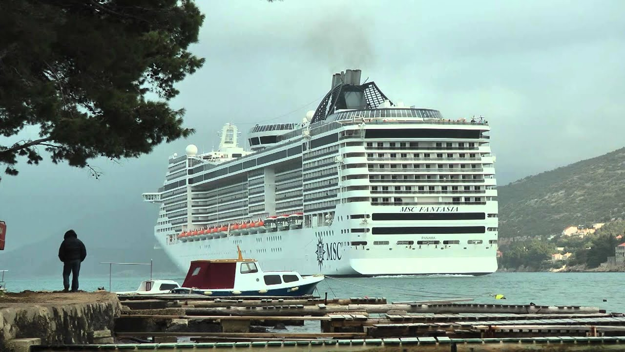 Msc fantasia first arrival at dubrovnik port on saturday for Youtube msc fantasia
