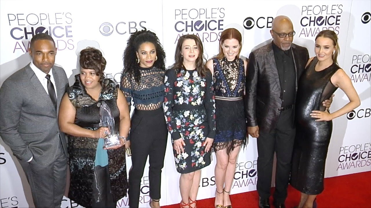 Greys Anatomy Cast Peoples Choice Awards 2017 Press Room Red