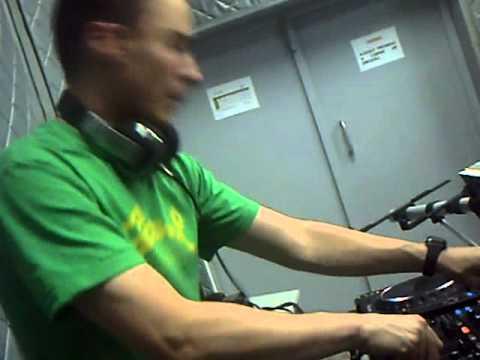 Mix Fm   Dj Gregor Salto Live @ Mix Fm 96 5   Luanda, Angola    04 12 2010   Parte 4