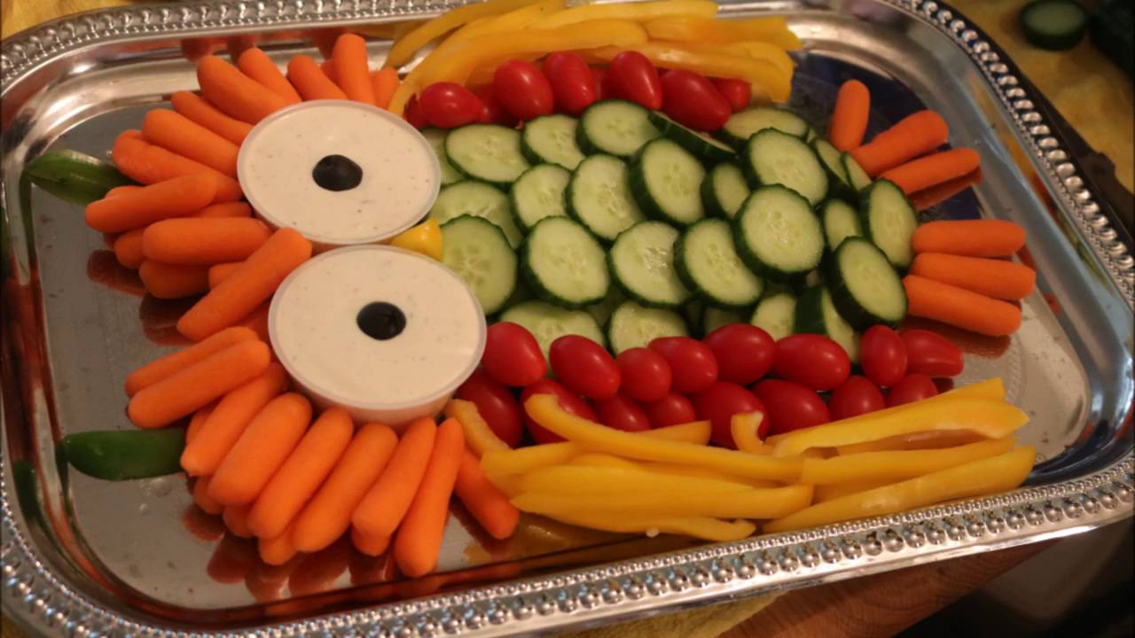 Aunt Duddie Makes A Hooty Owl Veggie Tray For The Crafty Lady