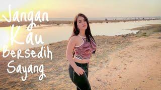 Download Gita Youbi - Jangan Kau Bersedih Sayang (Official Music Video)