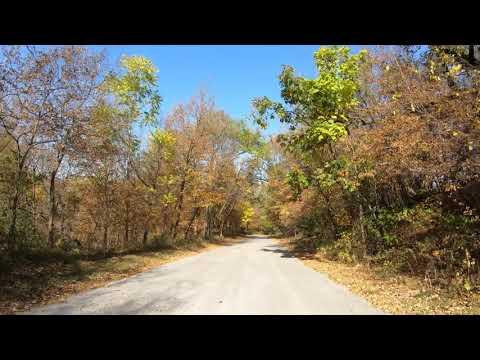 Drive Tour, Fall Foliage, Hummel Park, Omaha, Nebraska, USA