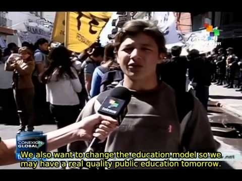 Paraguay students demonstrate for greater investment in education