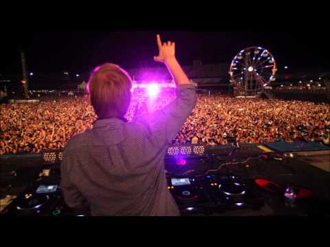 Avicii feat. Mike Posner - Stay With You.