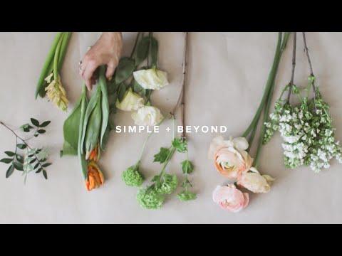 DIY: Как собрать цветочную композицию на стол // Flowers table centerpiece