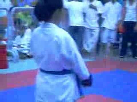 bituri Giau karate match, Be Ty co vu