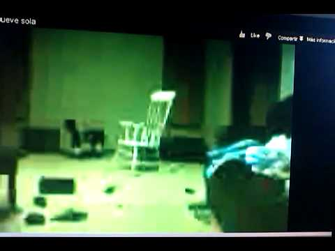 Esta es la silla q se mueve sola youtube for Silla que se mueve