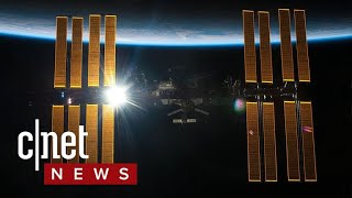 Cosmonaut says he found bacteria from outer space (CNET News)