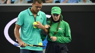 Tsonga comes to aid of injured ballgirl | Australian Open 2016
