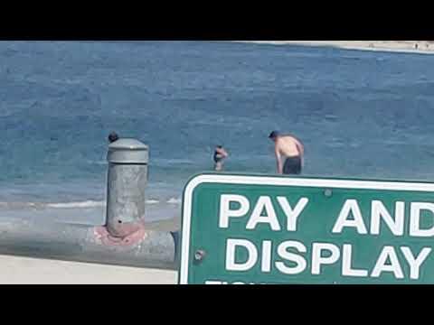 Rubia Sin Brasier En La Playa De América Conose Amigos
