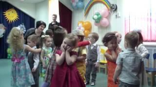 Раз ладошка два ладошка хлопают мальчишки танец садик