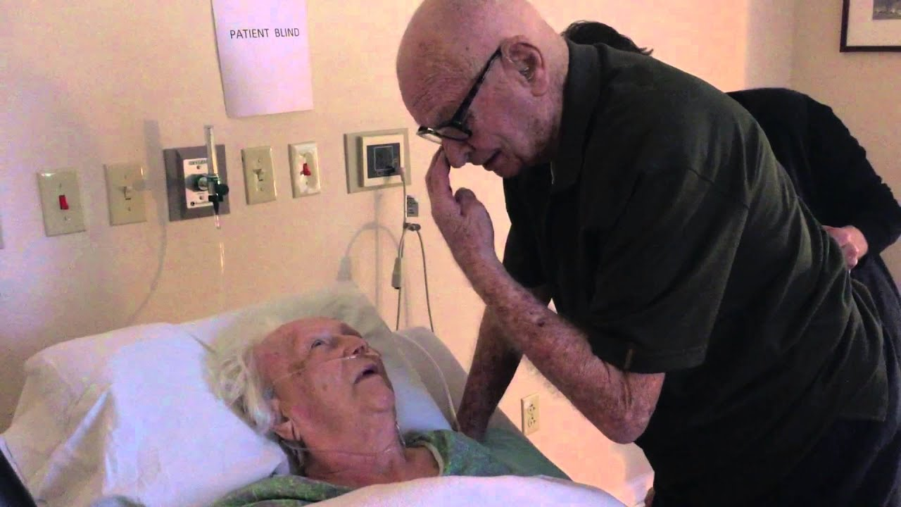 VIDEO: Old man sings a love song to his dying wife