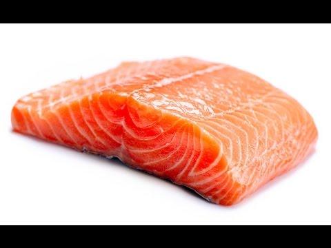 Солим красную рыбу: форель, семга.