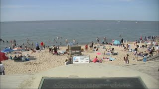 Coronavirus US | Lake Michigan beaches packed with 'thousands' on Memorial Day weekend
