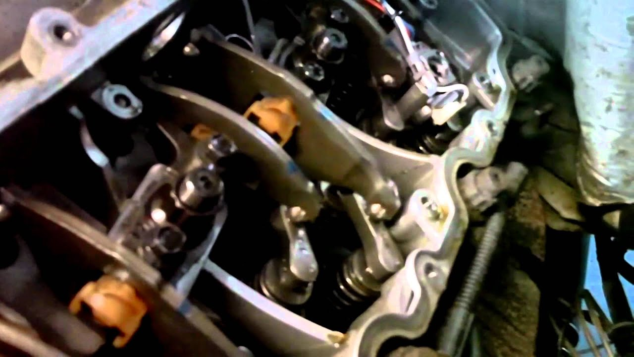 6.0 Liter Ford Powerstroke Injector Installation Part 3 ...