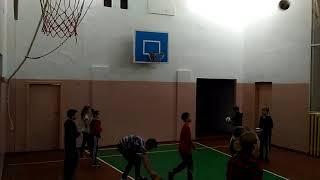 Вечером в нашем спортзале совсем не тихо и не скучно...Хлебодаровская школа.