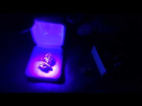 How to identify diamonds,rubys and opal with a black light