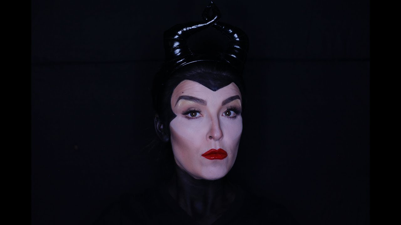 Easy maleficent makeup tutorial angelina jolie youtube easy maleficent makeup tutorial angelina jolie baditri Gallery