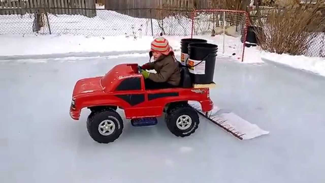 BEST BACK YARD ZAMBONI..EVER!! BackYard Rink in London ...