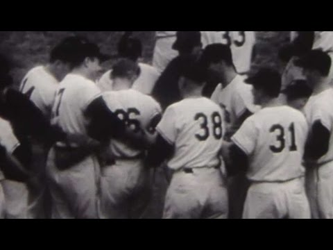 1954 WS Gm1: Rhodes hits pinch-hit walk-off home run
