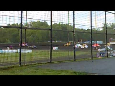 Buffalo River Race Park (Trip 2) Race 2 Legends Crash